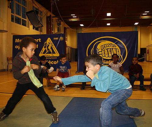 Geef zuurstof aan een sociale boksclub in Molenbeek